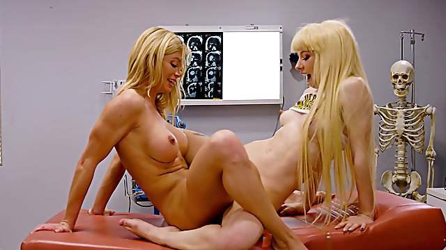Blondes try scissoring in the hospital