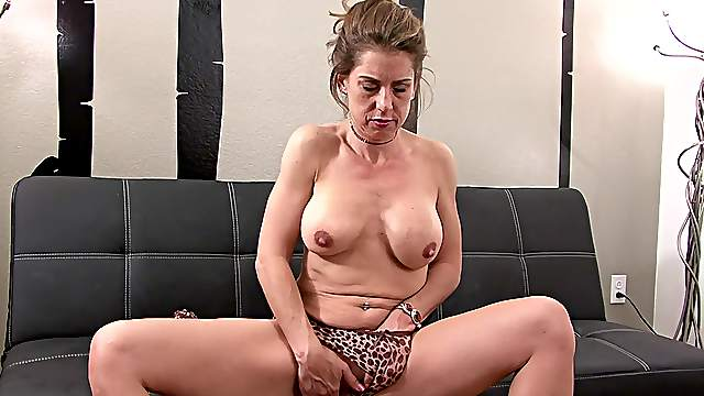 Solo mature finger fucks then toys her wet holes in perfect XXX