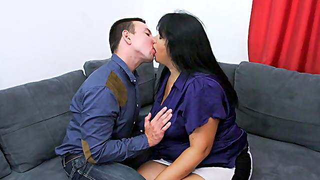 Brunette mature fucks with the nephew in insane modes