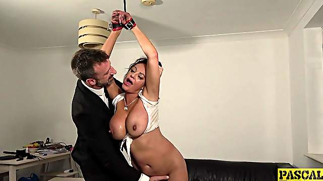 Submissive MILF tries a kinky fifty shades of grey role play