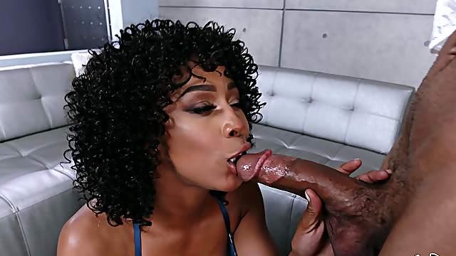 Sexual delight with a premium ebony mom